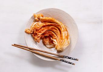 発酵食品(キムチ)、シンナーなどの溶剤がついたら変色の恐れがあります。